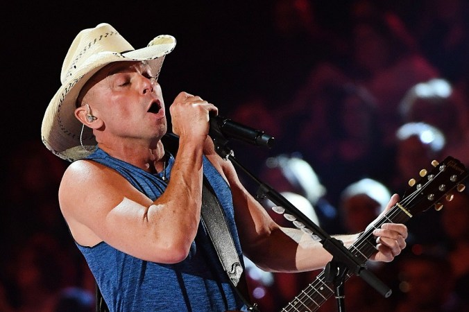kenny-chesney-2018-acm-awards